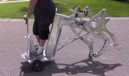 ساخت جالب ماشین پرقدرت برای پیاده روی ! (عکس)