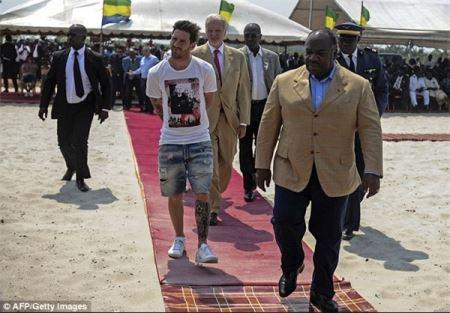 اقدام جنجالی رئیس جمهور برای مسی! (عکس)