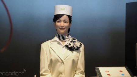 جالب ترین هتل دنیا با کارکنان رباتی! (عکس)