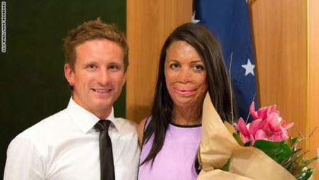 عاشق ترین مرد دنیا برای همسرش (عکس)