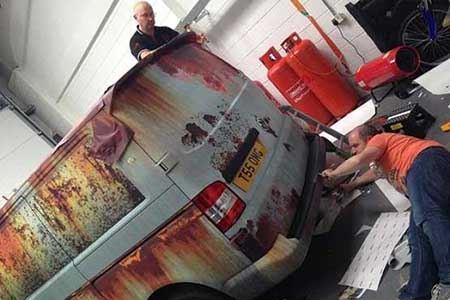 روش عجیب این مرد برای جلوگیری از سرقت ماشین (عکس)