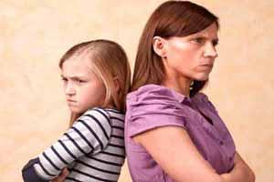 آیا باید کودک را مجبور به عذرخواهی کنیم