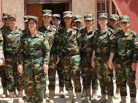 گروه جنجالی دختران خورشید (عکس)