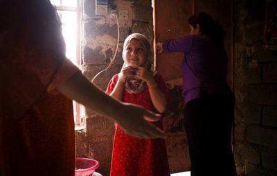 اولین دخترانی که در ایران ختنه شدند ! (عکس)