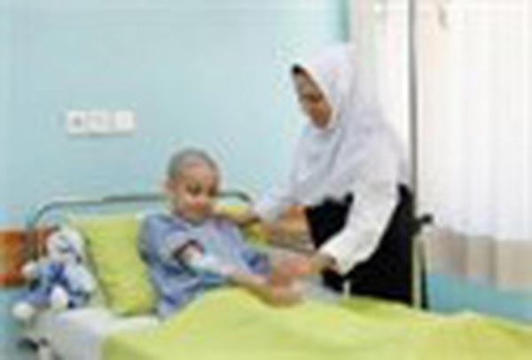 دلسوزی جالب این پرستار برای بیمارش!!