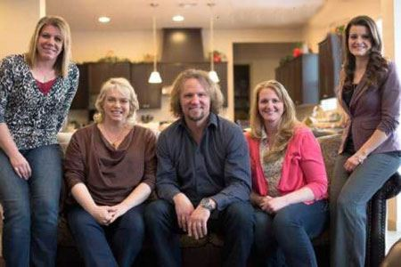 4 زنی که یک همسر دارند! (عکس)