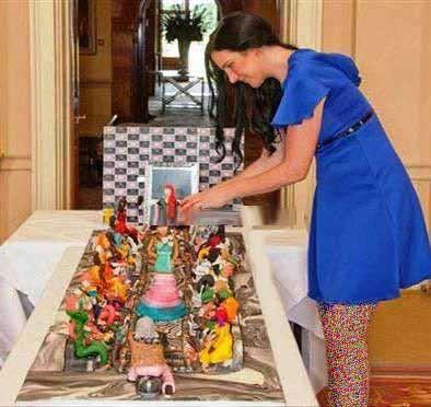 کیک نامزدی 75 میلیون دلاری این دختر دیدنی است (عکس)