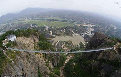 وحشت گردشگران از پل قهرمان ! (عکس)