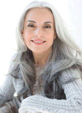 عکس های جذاب و زیبای مدل زن 60 ساله ! (عکس)