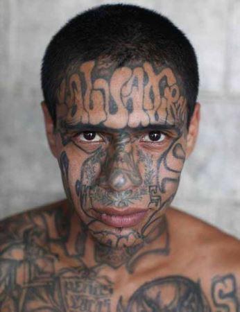 خطرناک ترین مجرمان دنیا با چهره های عجیب (عکس)