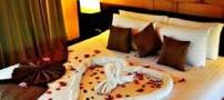 زیبا و جدیدترین مدل تزئین تخت عروس با گل طبیعی