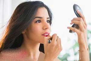 راهنمای آرایش کردن برای صورت های پف کرده
