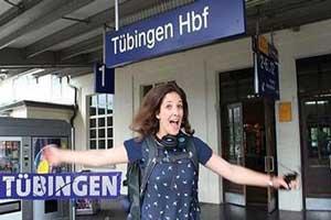 زندگی عجیب یک دختر 23 ساله در قطار (عکس)