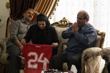 عکس های دردناک از شوک همسر و عزاداری پسر کوچولوی هادی نوروزی
