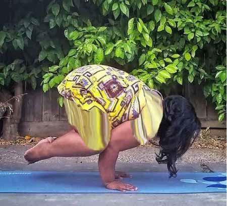 عکس های زنی چاق با حرکات عجیب و دیدنی یوگا