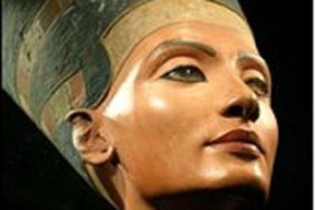 ملکه زیبایی بی ریخت و قیافه شد (عکس)