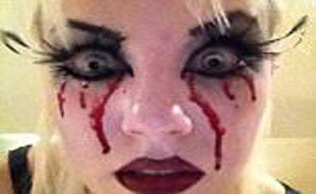 لنزهای جشن هالووین این دختر را قربانی کرد (عکس)