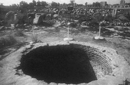 مردگانی که در این چاه شیطانی دفن می شوند (عکس)