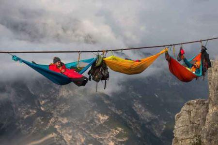 عکسهایی جالب و هیجان انگیز از رختخواب های معلق در آسمان