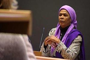 نماز جماعت مختلط به امامت زن امریکایی ! + عکس
