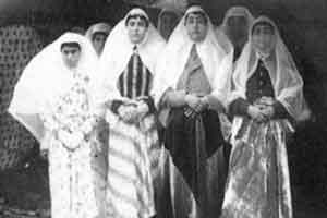 زنان جذاب و شاعر صد سال پیش ایران + عکس