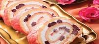 طرز تهیه رولت بادامی با خامه و تمشک