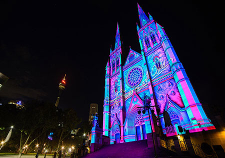 عکسهایی دیدنی از نورپردازی در نمای برج های سیدنی