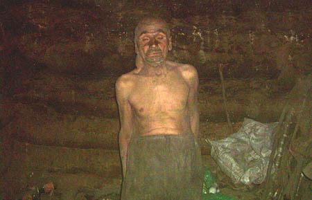 جنون دوری از عشق مرد گیلانی را غار نشین کرد! (عکس)
