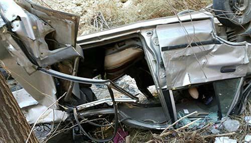 سقوط پراید ته دره 200 متری و نجات یافتن راننده (عکس)