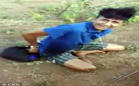 انتشار تصاویر کشتن بیرحمانه پسری در اینترنت توسط قاتل (عکس)