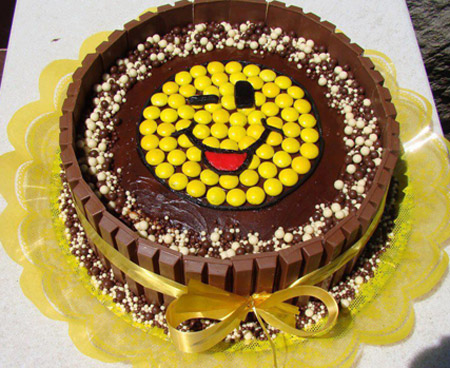 نمونه هایی از تزیین زیبای روی کیک شکلاتی خانگی