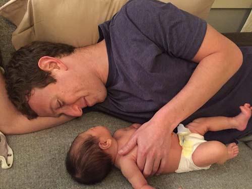عکس جدید مارک زاکربرگ صاحب فیس بوک و دخترش نوزادش