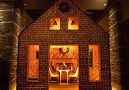 خانه ی جالبی که با شیرینی ساخته شده است! (عکس)
