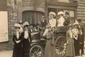 عکسی جالب و قدیمی از اولین ماشین عروس دنیا