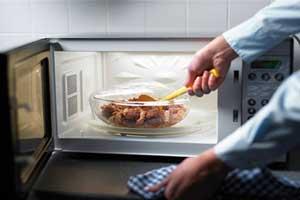 چه غذاهایی نباید 2 بار گرم شوند؟