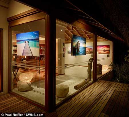 نمایشگاه جالب و دیدنی در وسط یک جزیره (+تصاویر)