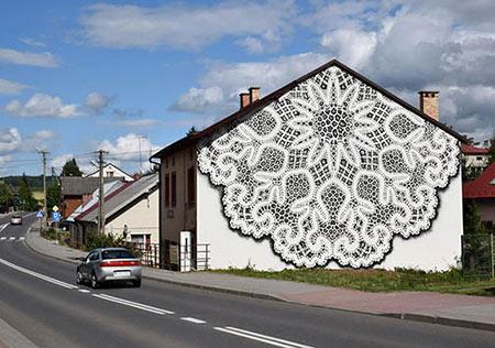 هنرمندی که با تور آثار هنری زیبایی خلق می کند (+تصاویر)