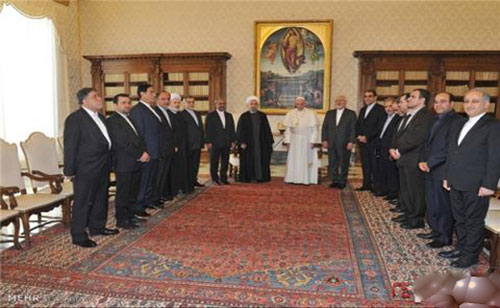 عکس نامتعارف حوری های بهشتی در دیدار روحانی و پاپ