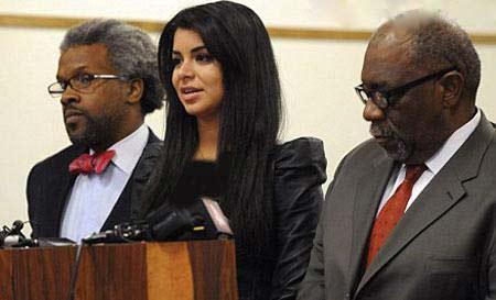 ماجرای بازداشت جذاب ترین دختر آمریکا (عکس)