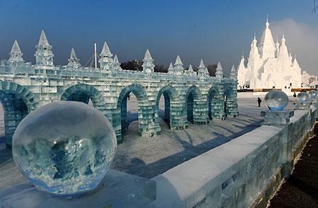 عکسهای دیدنی عظیم ترین ساختمان یخی جهان