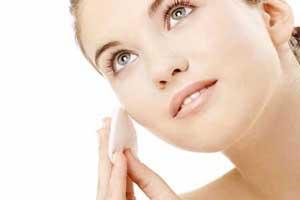 چگونه یک پاک کننده آرایش خانگی درست کنیم؟
