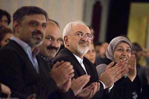 عکسهای دیدنی از دکتر ظریف و همسرش در جشن تولد