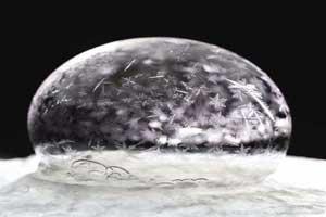 عکس های دیدنی و خیره کننده از حباب کف صابون
