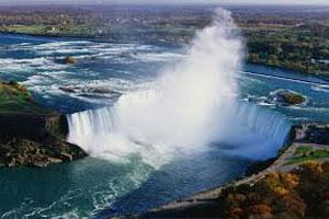 عکسی بسیار زیبا از لحظه یخ زدن آبشار نیاگارا
