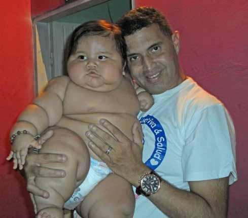 چاق ترین دو قلوهای سنگین وزن 10 ماهه (عکس)