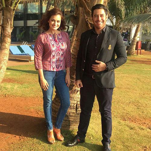محمدرضا گلزار در کنار خانم بازیگر مشهور و زیبای هندی