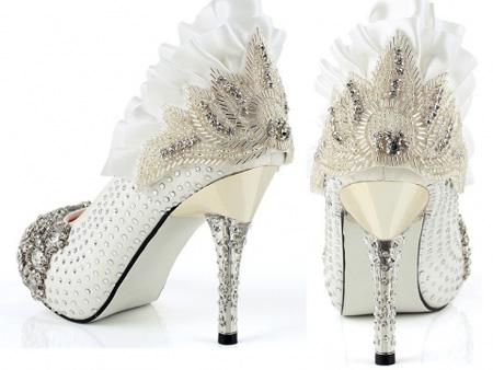 زیباترین و شیک ترین مدل های کفش عروس 2016