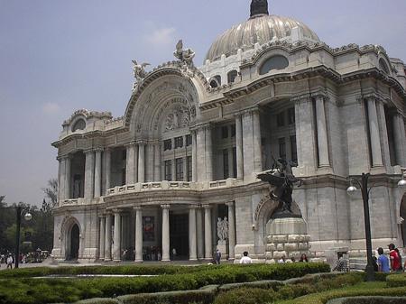 تصاویر دیدنی از قصر هنرهای زیبا در مکزیک