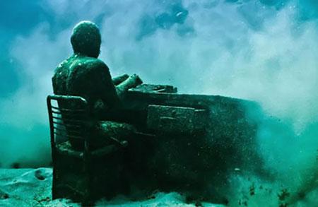 عکسهایی دیدنی و جالب از اولین موزه ی زیر آب