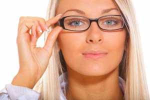 سریع ترین آرایش برای خانم های کارمند با این نکات